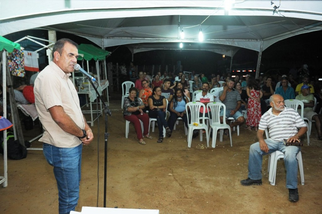 Dialogando com o povo leva equipes da Prefeitura de Monteiro à mais uma comunidade rural
