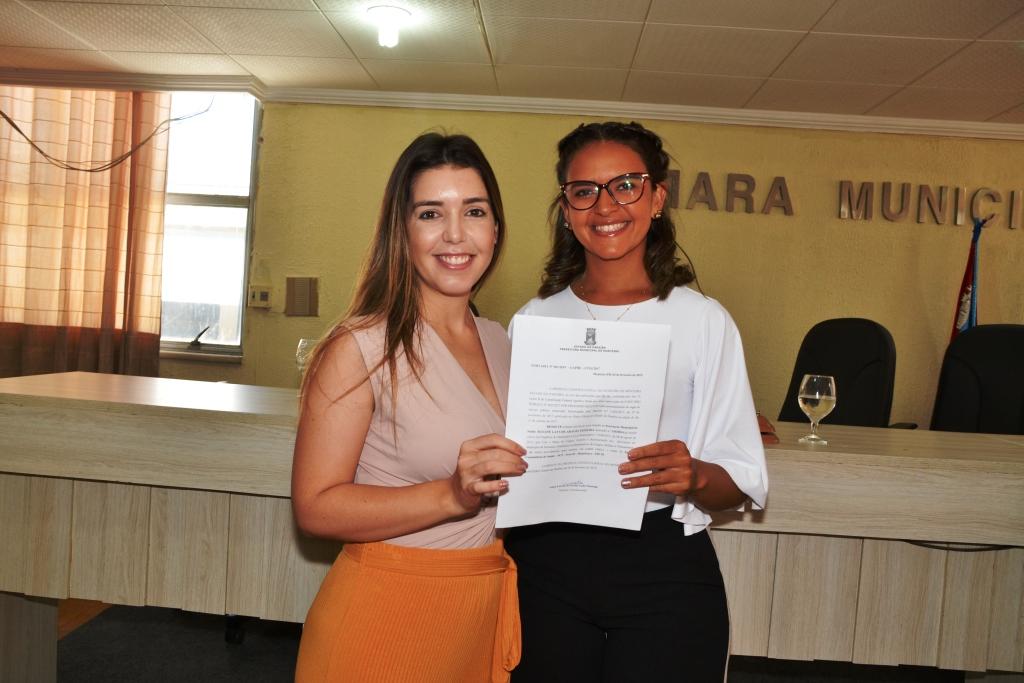 Prefeita Anna Lorena emite nota parabenizando as mulheres monteirenses pelo seu dia
