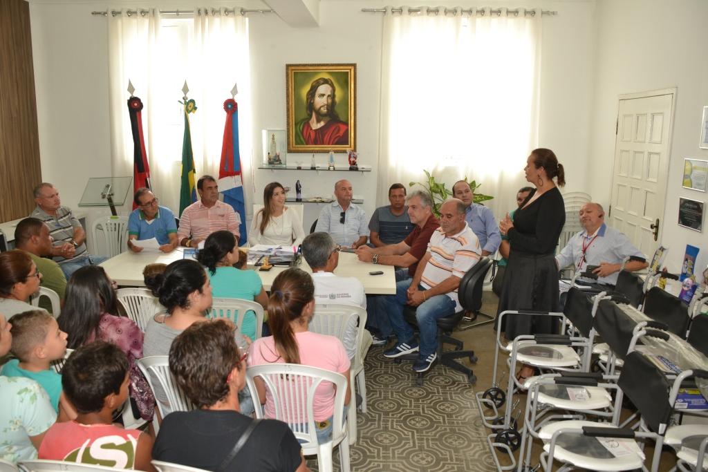 Com investimento de R$ 25 mil reais, Prefeitura de Monteiro faz entrega de órteses e próteses