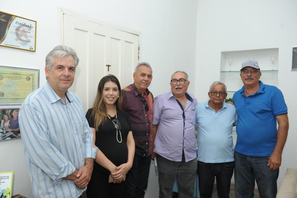 Prefeita Anna Lorena participa de reunião para discutir reabertura do abatedouro de caprinos de Monteiro